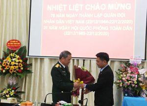 Lãnh đạo Trường Cao đẳng Bắc Kạn chúc mừng ngày thành lập Quân đội nhân dân Việt Nam